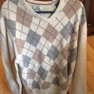 Men's extra large sweater like new from Jos a bank